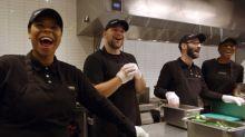 Over 2,600 Chipotle Crew Members Receive New Quarterly Bonus