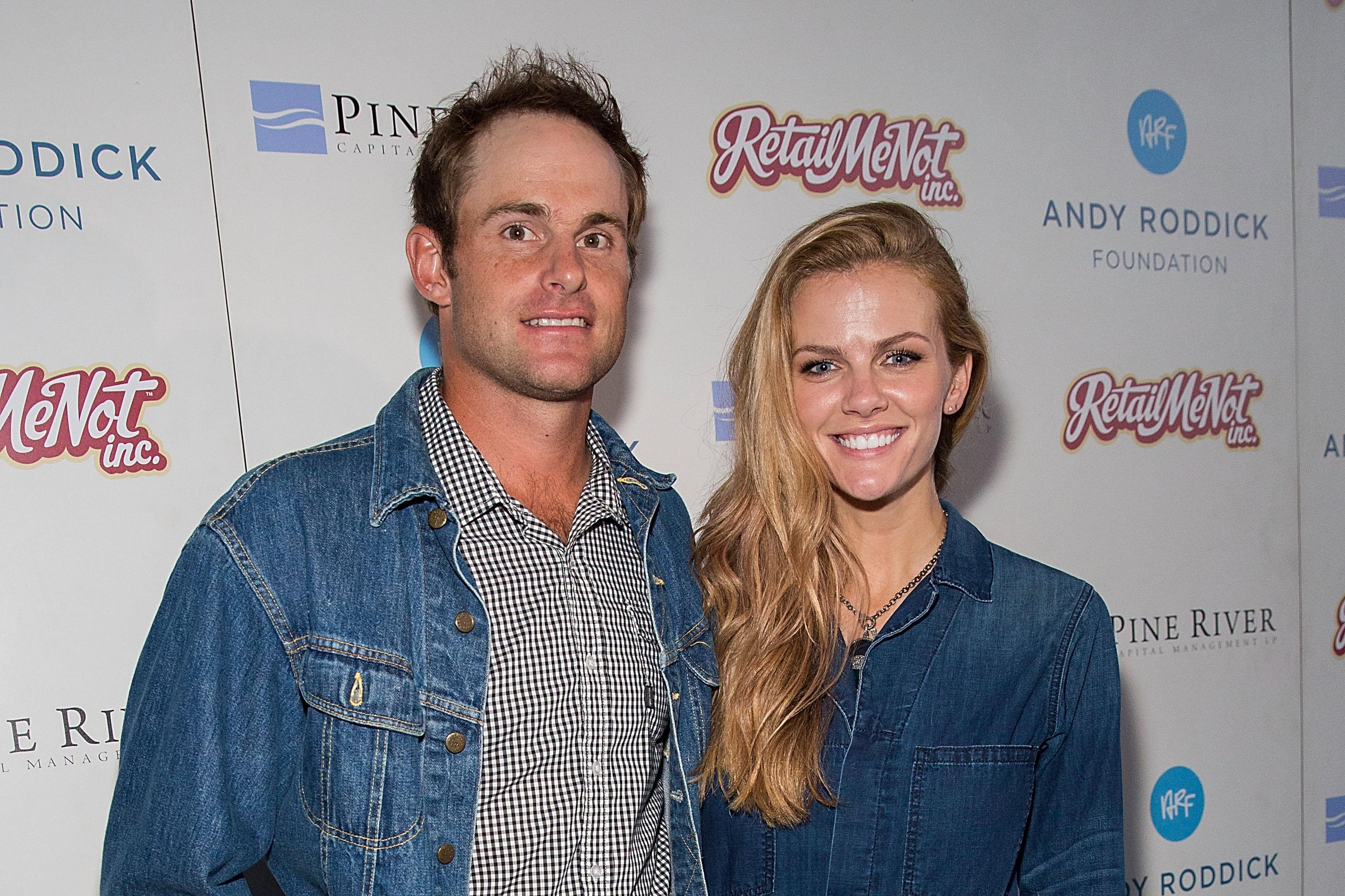 Brooklyn Decker calls out newspaper headline referring to her only as  Andy  Roddick s wife  bdd473c0e20