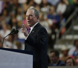In clash of billionaires, Bloomberg calls Trump White House race 'a con'