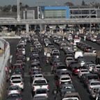 US closes busiest Mexico border crossing for hours