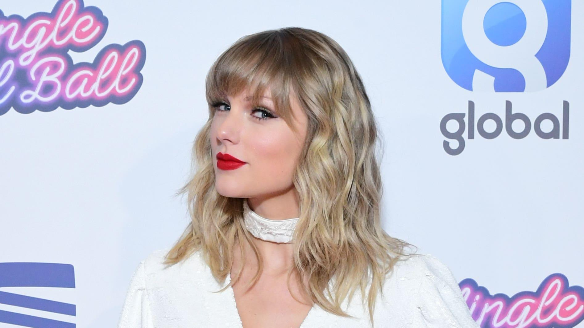 Taylor Swift releases first re-recorded album Fearless