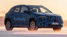 El Mercedes-Benz EQA se deja ver: un SUV eléctrico, todavía camuflado