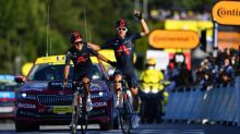 Kwiatkowski and Carapaz carve up the spoils on Tour de France's 18th stage
