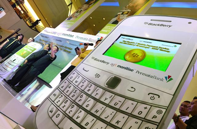 BlackBerry jumps on reports of iMessage spam to tout the benefits of BBM