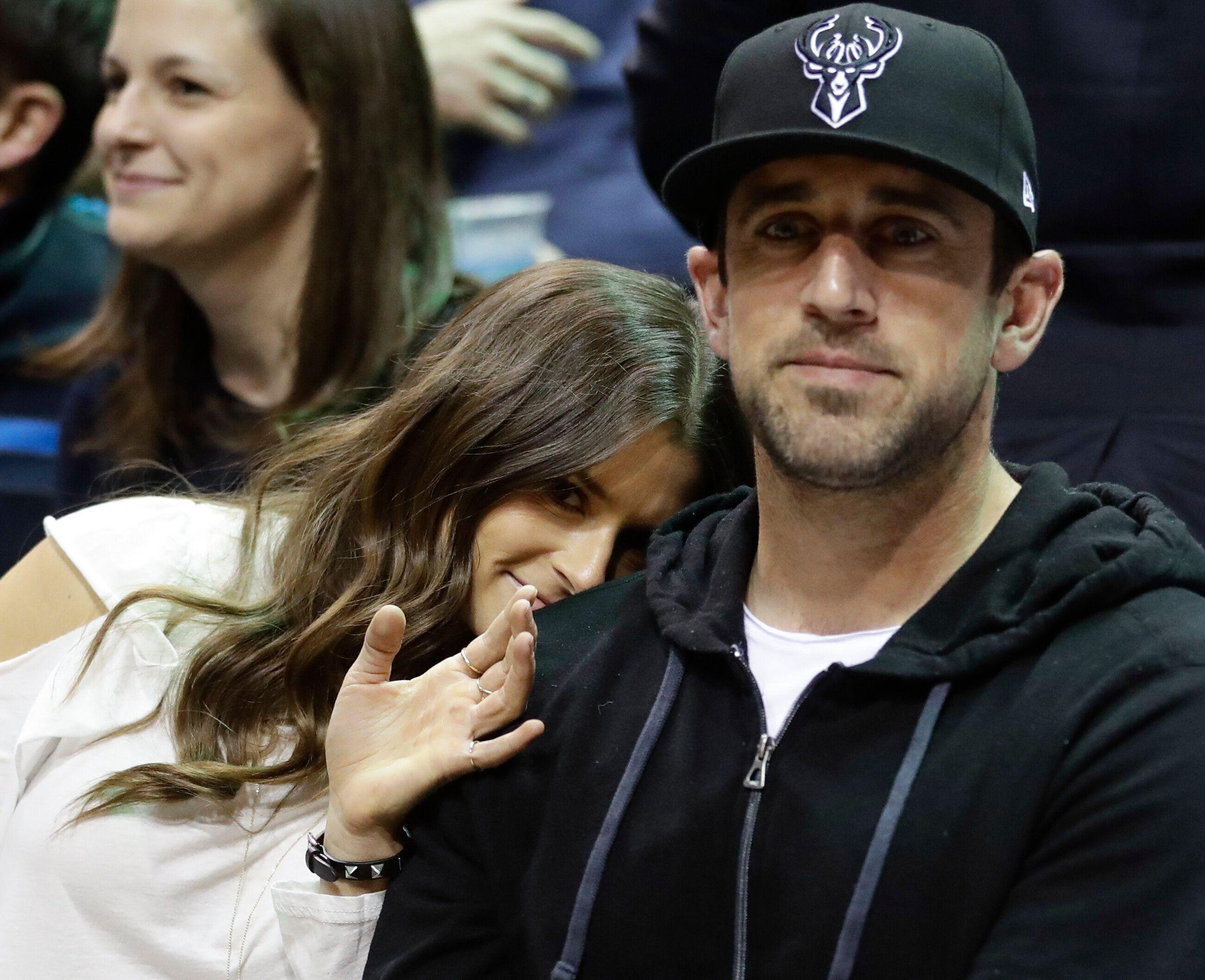 Aaron Rodgers does not do Wisconsin proud with shameful beer chug at Bucks game