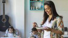 Mulheres estão mais sobrecarregadas na pandemia por desigualdade na divisão de tarefas domésticas
