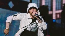 Eminem traumatiza a sus fans usando disparos reales