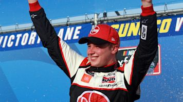Bell wins Xfinity race at New Hampshire