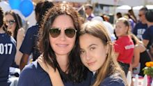 'Friends' star Courtney Cox shows off her musical skills in duet with teenage daughter