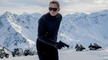 La police britannique à la recherche des voleurs de cinq armes de James Bond