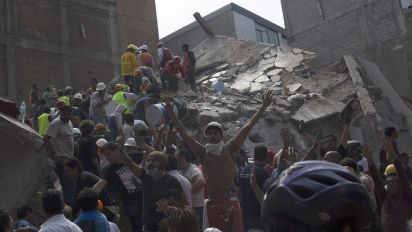 Dramatic footage shows moment earthquake struck Mexico City
