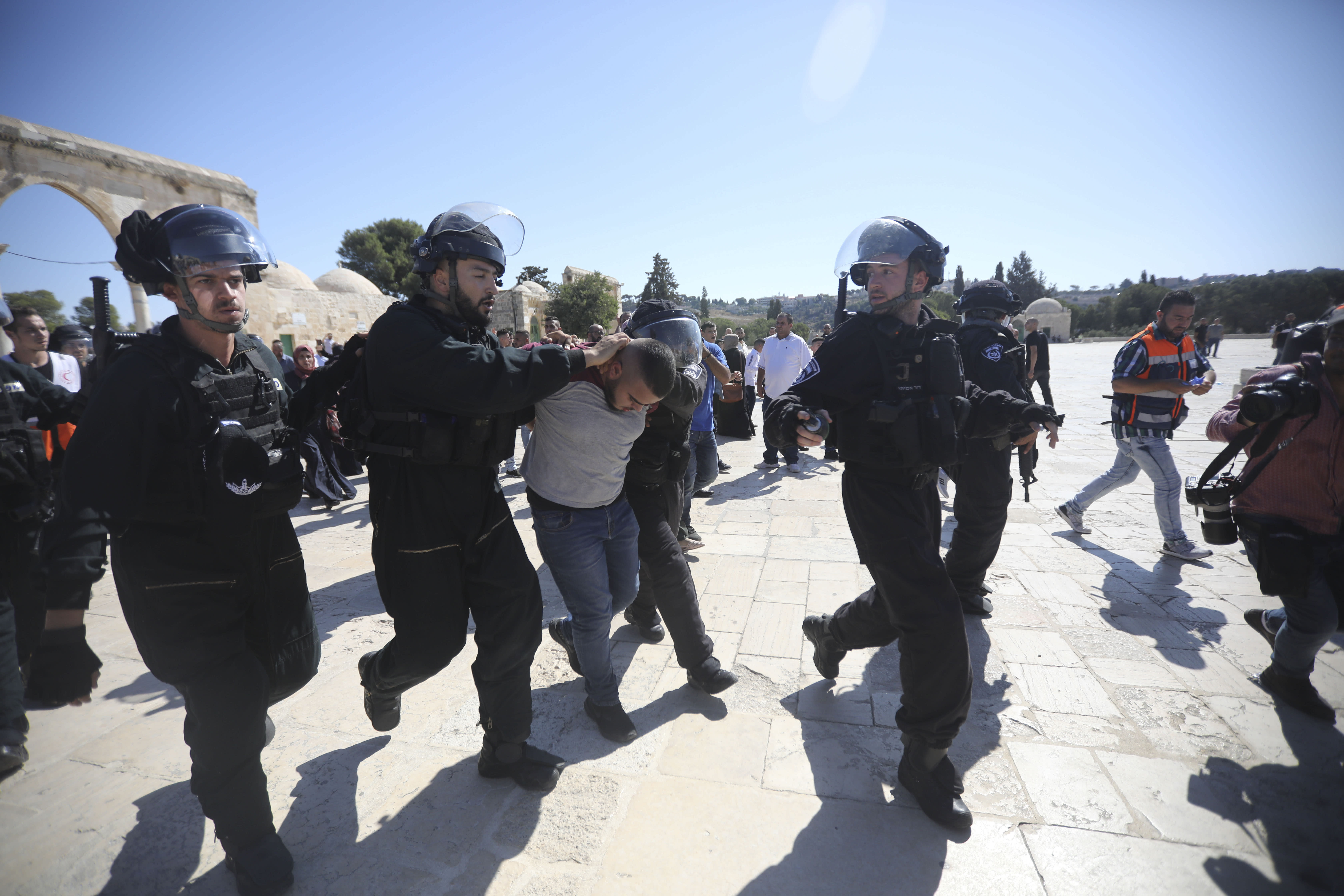 Israeli police, Palestinian worshippers clash at flashpoint holy site in East Jerusalem