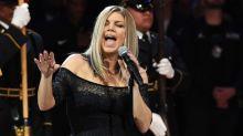 Fergie destruye el himno nacional