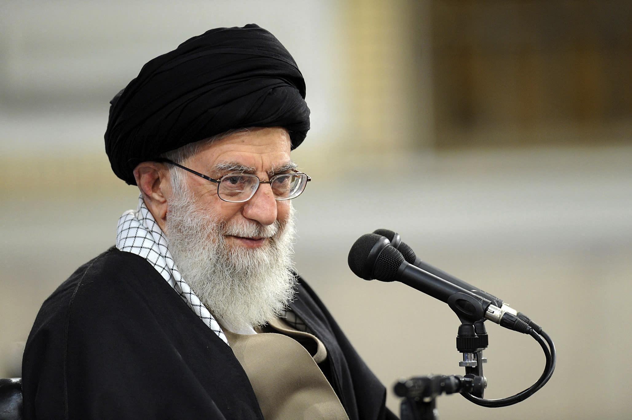 Supreme leader criticizes Iran's politicians amid US tension