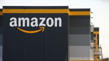Amazon to pay $500m in bonuses worldwide as UK staff earn £300 reward