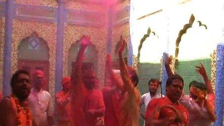Ayodhya starts holi, soaked up with colors