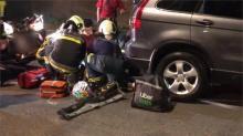趕送貨?20歲美食外送員遭兩車夾擊喪命