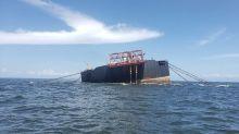 Trinidad dice que buque venezolano está en posición vertical, transferencia crudo presenta riesgos
