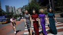 Quítense las máscaras, celebren la libertad: abuelas de la moda regresan al ruedo en Pekín