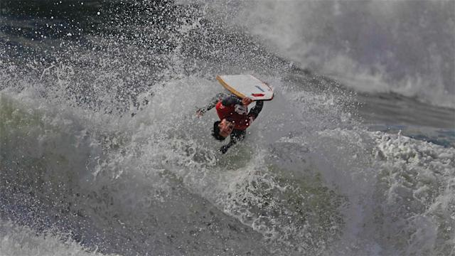 Photos of the Day – Extreme Bodyboarder Gets Air