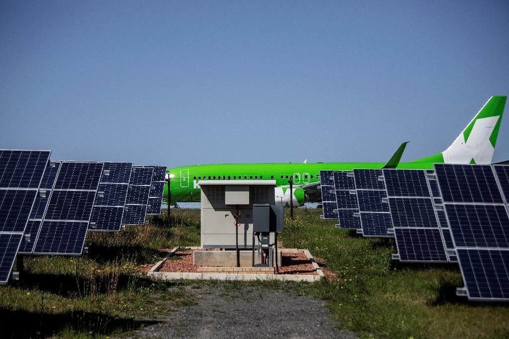 Africa gets is first solar-powered airport in George, with a plant that converts solar energy into direct current electricity using solar panels (AFP Photo/Gianluigi Guercia)
