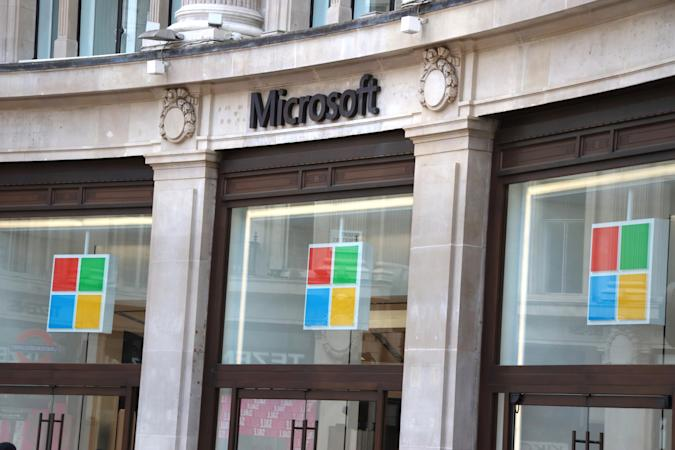LONDON, UNITED KINGDOM - 2020/07/03: Microsoft logo seen at one of their stores. Microsoft has said it will keep all of its retail locations closed permanently, including London's Flagship store in Oxford Circus which opened just one year ago. The company says it will reimagine some of its spaces that serve its customers, including the Microsoft Experience Centre in London. (Photo by Keith Mayhew/SOPA Images/LightRocket via Getty Images)