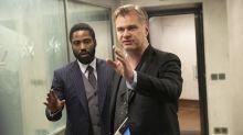Varios fanáticos de Christopher Nolan reservan vuelos para ver 'Tenet' lo antes posible