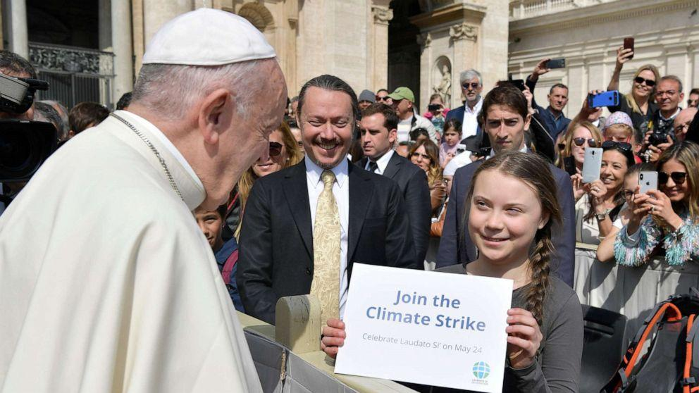 Teen climate change activist Greta Thunberg meets Pope Francis ahead of protest
