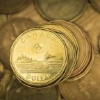 Canadian dollar edges higher, oil price rebound supports
