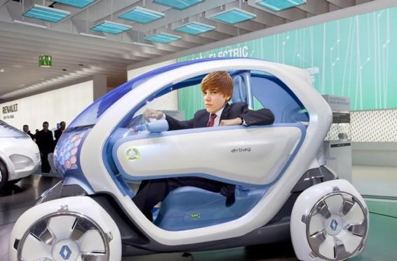 Renault's Twizy EV for 16 year-olds comes too late for Justin to skip the DMV queue