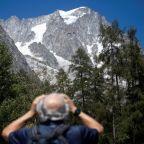 Italian resort evacuated over risk of falling Mont Blanc ice