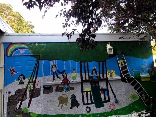 A colorful mural in Alameda is bringing joy to several families as they stay safe during the coronavirus pandemic.​