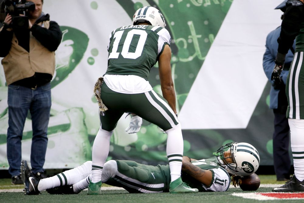 Jets wide receiver Robby Anderson, celebrating another TD, wants to be in the Pro Bowl. Apparently expressing that during a game violates the sanctity of football. (AP)