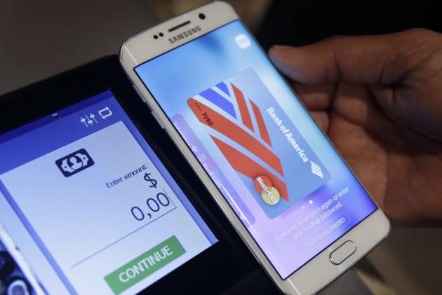 Samsung Pay stores your gift cards, lets you buy new ones