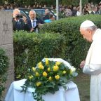Pope Francis prays at memorial for victims of Vilnius Ghetto