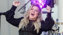 Kelly Clarkson: 'When I Was Really Skinny, I Wanted to Kill Myself'