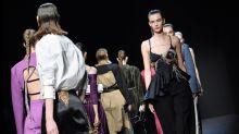 Coronavirus: la mode redémarre à Paris, pour la première fois sans défilés