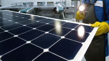 Solar-Panel Makers Have Hours Left to Avoid Tariffs