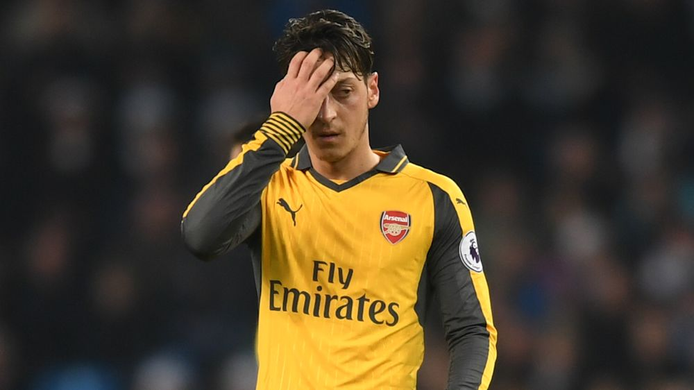 Ozil 'paying the price' at Arsenal, says Wenger