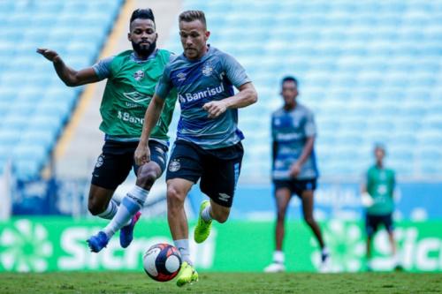 Grêmio começa semana de treinos com volta de Gata Fernández