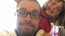 Dad explains why he keeps his toddler on a leash, it goes viral