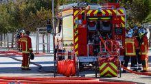 Pourquoi les camions de pompiers sont-ils rouges?