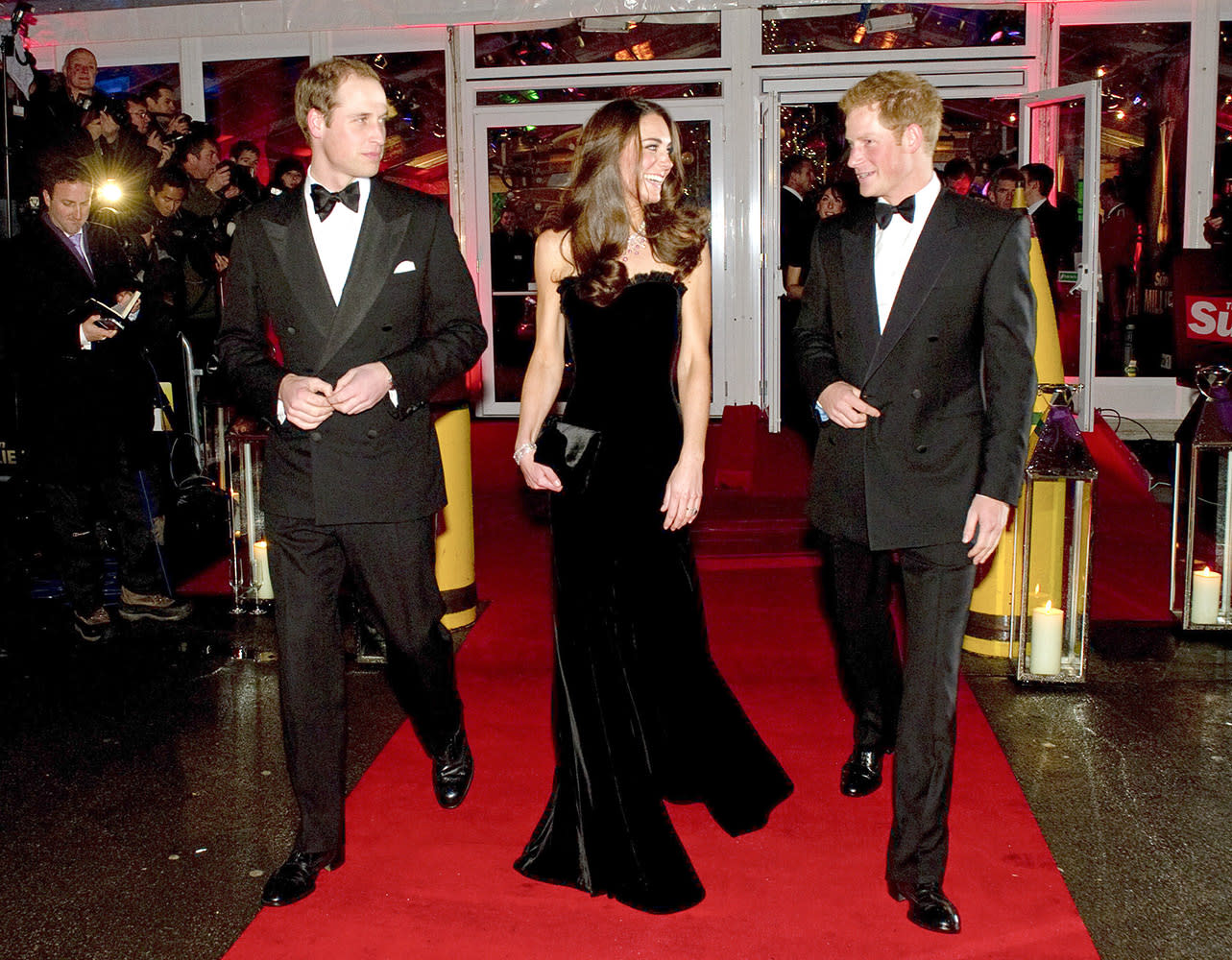 Prince William, Kate and Prince Harry arrive at the Imperial War Museum, all dressed in their black-tie best.