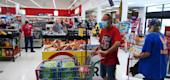 Shoppers wear masks at a supermarket in Florida. (Getty Images)