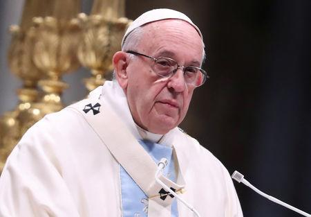 Pope bemoans disjointed world, praises unity over diversity