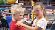 Crianças com Síndrome de Down dançam juntas e viralizam na internet