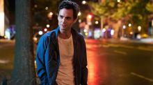 """Sucesso da série """"You"""" mostra que """"ainda há quem ache que se possa matar por amor"""", analisa psicóloga"""