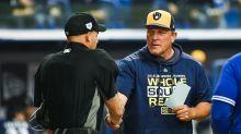 Brewers bench coach Pat Murphy suffers heart attack during team workout