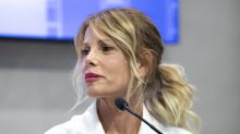 Alessia Marcuzzi parte per le ferie, ma il marito non c'è