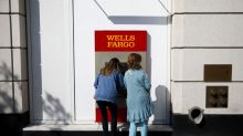Wells Fargo Executives Win Support for Bigger Paychecks